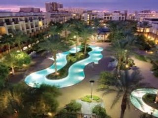 Mayweather /McGregor boxing or perfect Resort style vacation next to Strip!