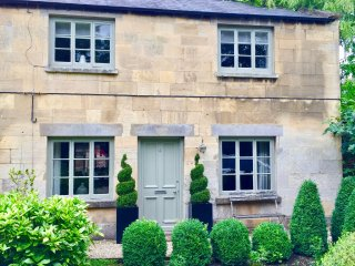 Coates Mill Cottage in the heart of the Cotswolds