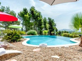 Villa provençale,vue panoramique sur la Baie