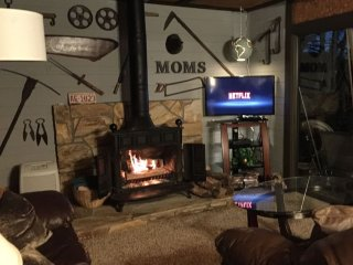 Mom's Place-Cozy Cabin On Lake Glenville with Easy Lake Access