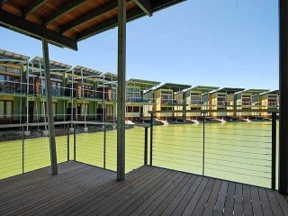 Unwind * 'South Shores' Villa 56 -  Normanville