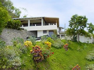 VILLAS CASA LOMA (Suite 101) FLAMINGO BEACH'S BEST KEPT SECRET FOR OVER 30 YEARS