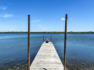 NEW! Lakefront 3BR Big Stone City House w/ Dock!