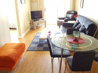 Vacations Rental 1 Bedroom in City Centre, Mississauga