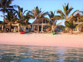 Cooks Bay Villas