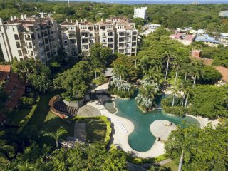 Luxury 2 BR Condo at the Diria Resort, walk to Tamarindo Beach! (MP 302)