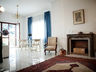 Paolina Borghese Apt - luxury hosting in prime location!