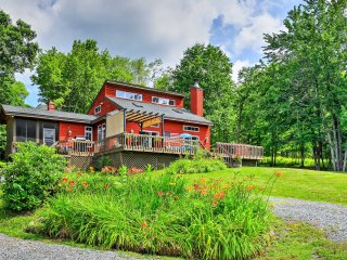NEW! Sleek 4BR Windham House w/Hot Tub & Mtn Views