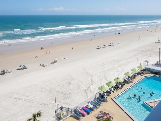 Oceanfront 2 BR 2 bath, sleeps 6, Daytona Beach