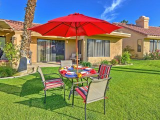 Chic Palm Desert Condo at Golf Course!