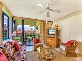 Roomy Suite w/Modern Open Kitchen, Washer/Dryer, WiFi, Lanai–Kamaole Sands 3301