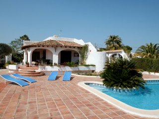 El Barraco - sea view villa with private pool in Moraira