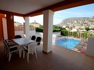 Canuta Mar 16 - holiday home with private swimming pool in Caple