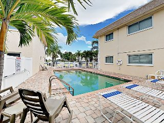 Updated 1BR w/ Patio, Near Beaches & Dining – Ground-Level Unit w/ Pool