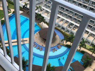 BEST VALUE 5-STAR Q Condo FreeWiFi,across MallOfAsia, near Casino,Airport