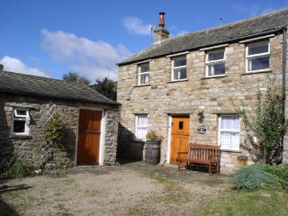 Charming cottage, Bruaich, in Gunnerside, Yorkshire Dales, with wifi and parking