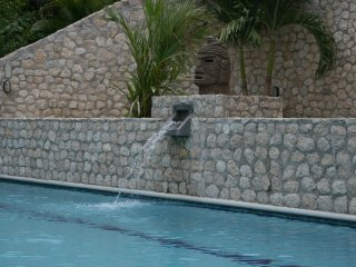 VILLAS CASA LOMA -Suite 503- FLAMINGO BEACH'S BEST KEPT SECRET FOR OVER 30 YEARS