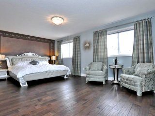 Wonderland Lux House Golf Klienburg, Vaughan Mills