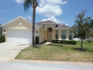 Calabay Parc, Davenport, Florida. Spoil yourselves, 4 Bed, 3 Bath, Private Pool.