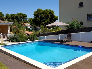 Bungalow with private heated swimming pool, Barcelona Castelldefels Garraf