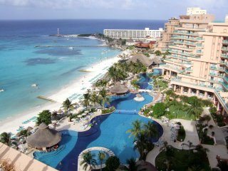 Club Melia at Paradisus Cancun: Studio, Sleeps 4, Kitchenette