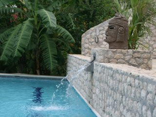 VILLAS CASA LOMA (Jungle House)  FLAMINGO BEACH'S BEST KEPT SECRET FOR 30 YEARS