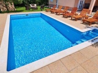 Villa Lucija with swimming pool near Trogir