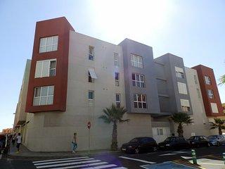 Apartamento de 2 habitaciones con wifi y parking