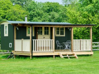 Keepers Cosy, Shepherds Hut , Alresford 491853