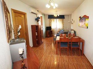 Apartamento a 3 km de Granada, cochera y wifi 4G