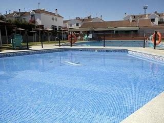 PRECIOSO APART. a 10min. Centro de Sevilla, Piscina ,Parking