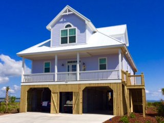 The Hampton House. Beachfront Home. Views Views Views!!!