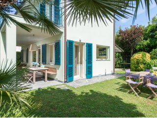 Villa Monti di Luna, Quiet & Exquisite in the heart of Forte dei Marmi, Tuscany