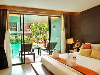 Aonang Krabi,Great hotel,center location,nice pool,5 mins to beach,cafe,shops