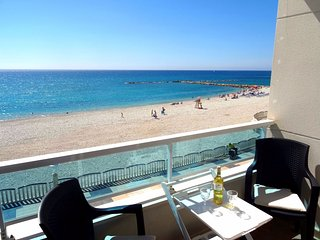 Fabulous sea front 3 bedroom apartment Altea promenade