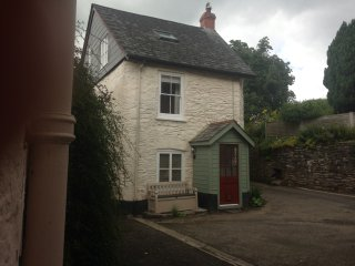 2 Oak Cottage Holidays , In the town of   Dulverton near Exmoor , new listing , 18 century , 3 storey  ,