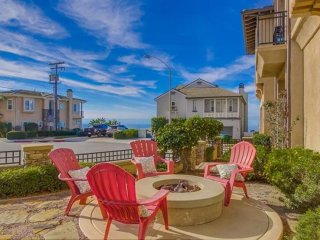 4 Bedroom with Ocean Views with Jacuzzi... Steps to Tamarack Beach