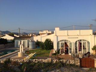 Casa primera linea de playa con piscina privada