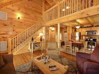 Elegant & Cozy Cabin Near Heart of Pigeon Forge