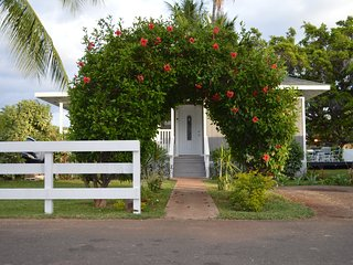 50 Steps from Beach. On Front St. The Lahaina Beach House.