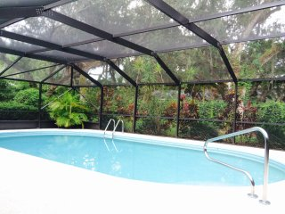 Lovely Barrier Island Home steps to the best beach in Vero