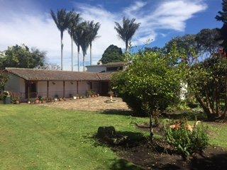 Acogedora Finca con casa Colonial rodeada de Naturaleza