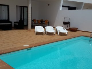 Villa Salitre 5, with private pool and close to the beach in Puerto del Carmen