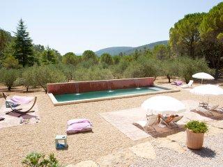 Piscine chauffée, la Bastide de la Provence Verte calme absolu à 40 mn de la mer