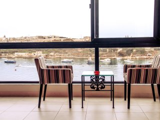 Sliema Seafront Luxury (inc. Airport Transfer)
