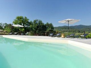 Acogedor apartamento rural con piscina y chimenea
