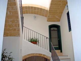 Gallipoli Apartment Sleeps 4 with Air Con - 5628559