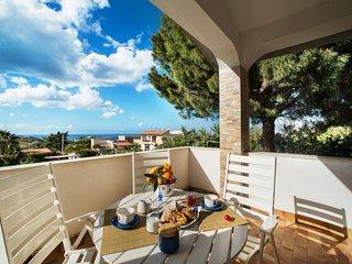 Villa Scampati 7 posti vicino al mare con giardino, BBQ e parcheggio