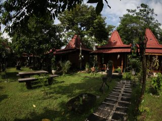 Bungalow 4 of Omah Garengpoeng Guest House