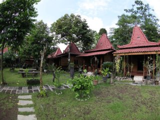 Bungalow 5 of Omah Garengpoeng Guest House